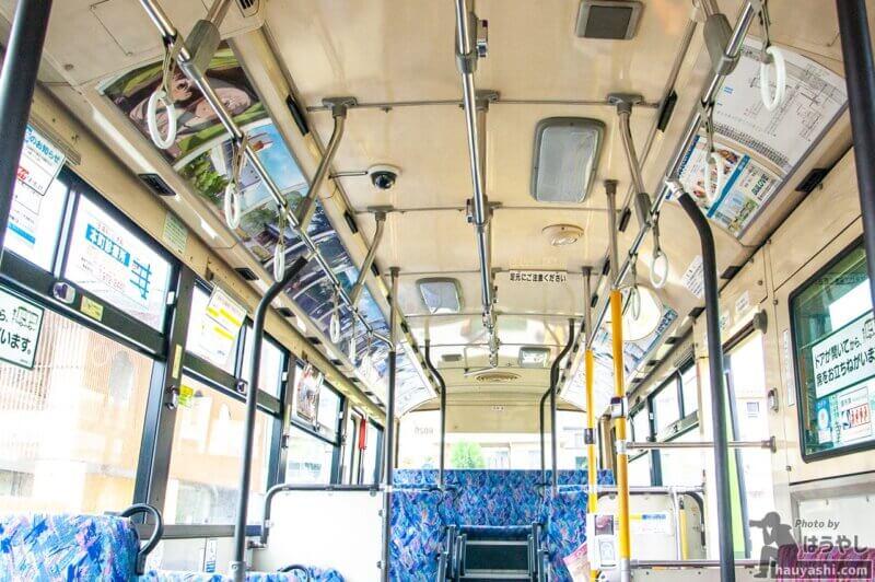 ヤマノススメ ラッピングバス 1号車 車内の装飾