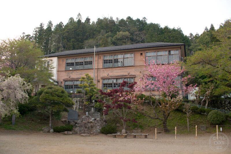 昭和12年に竣工した南川小学校の新校舎