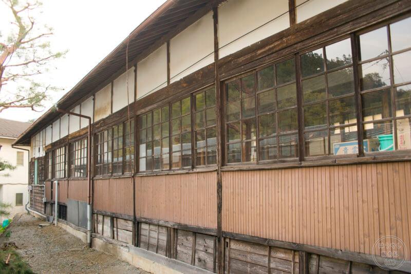 旧校舎の裏側