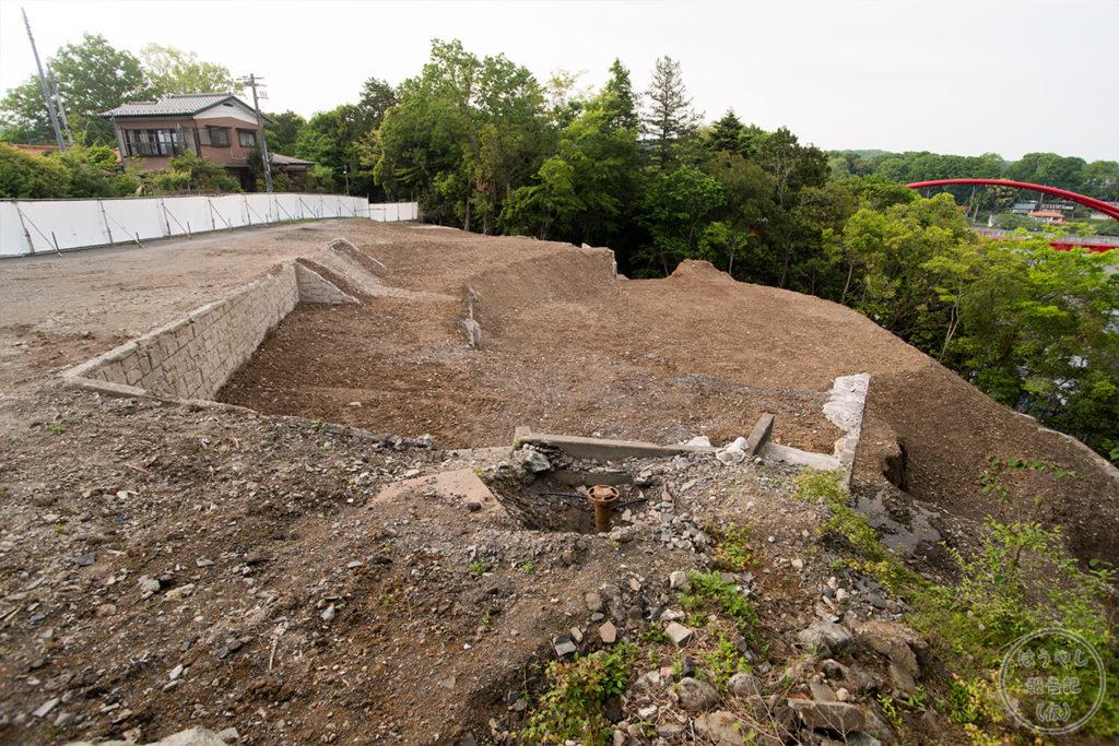 建物が取り壊された石清水の跡地