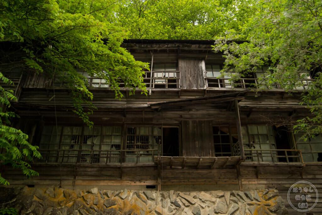 秩父鉱山で働く人の社宅の廃墟