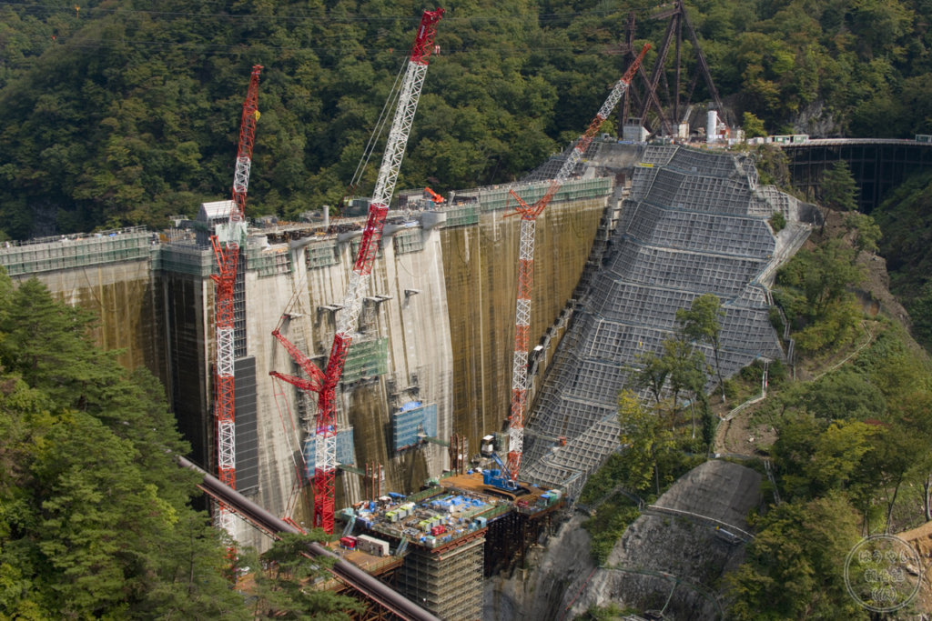 やんば見放台から見た八ッ場ダム建設風景