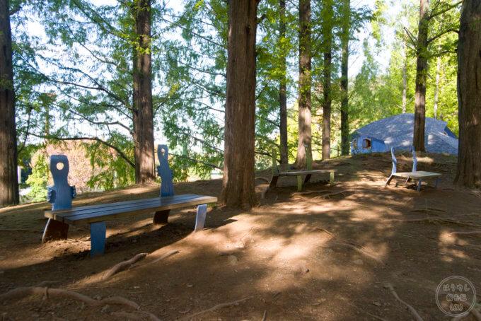 トーベ・ヤンソンあけぼの子どもの森公園 ニョロニョロのベンチ