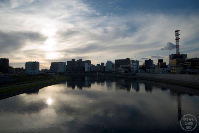静岡県沼津市の三園橋から見た狩野川の風景