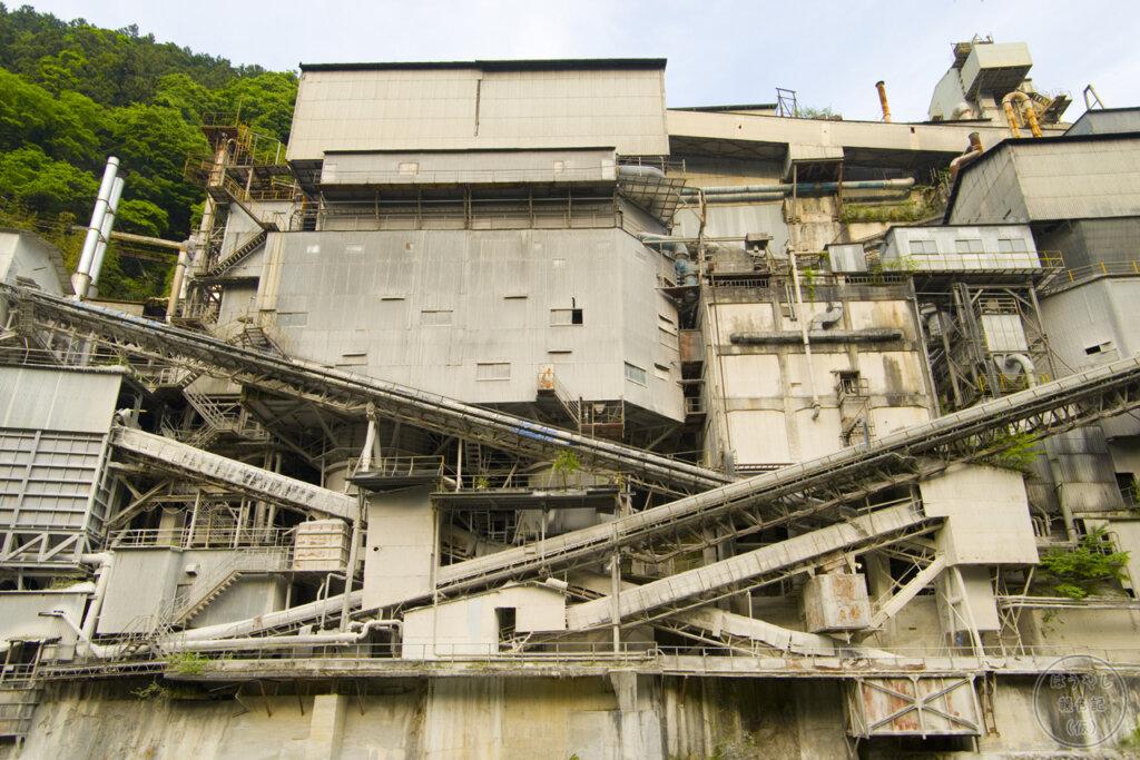 奥多摩工業氷川工場の全体