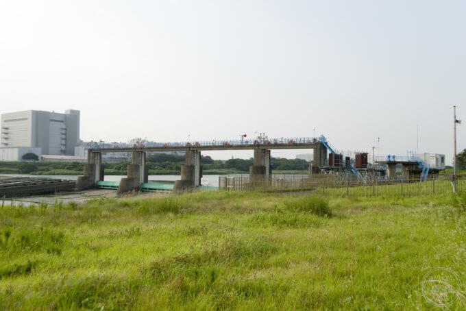 寒川取水堰のゲート