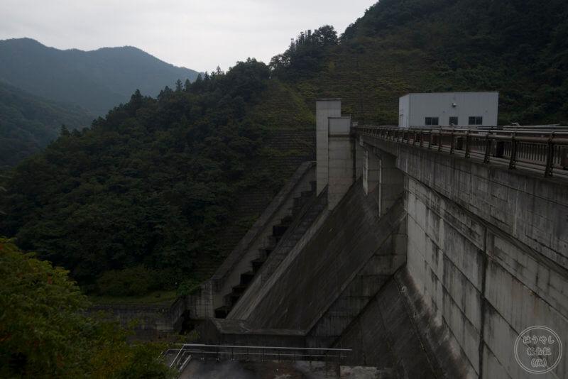 合角ダムの風景