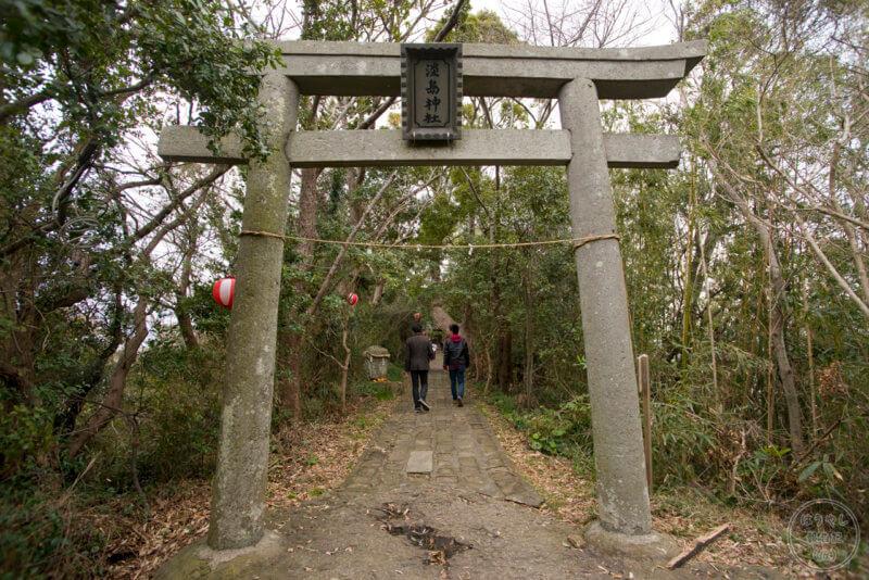 山頂にある淡島神社の鳥居