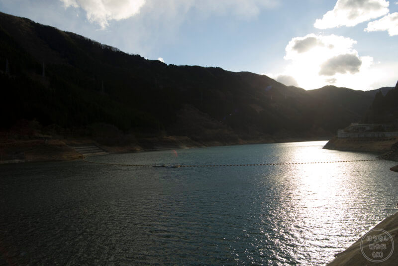 滝沢ダムのダム湖名は「奥秩父もみじ湖」