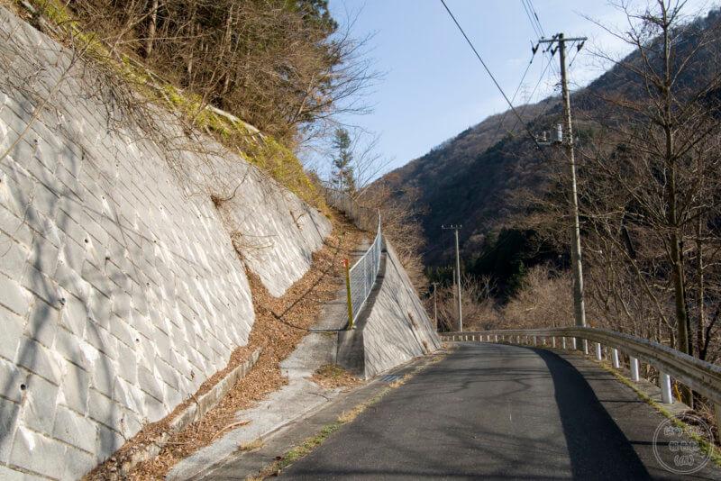 山掴集落への入口