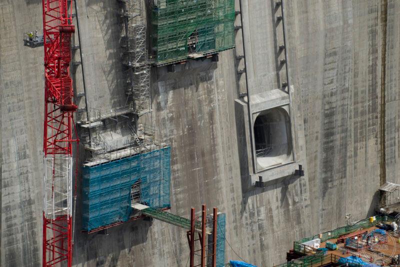 工事中の堤体(貯水取り込み口)