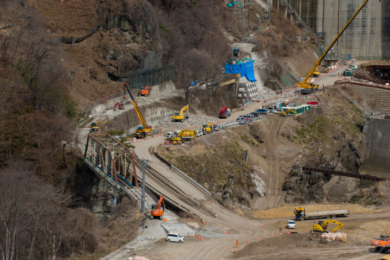 ダム底のJR吾妻線廃線跡