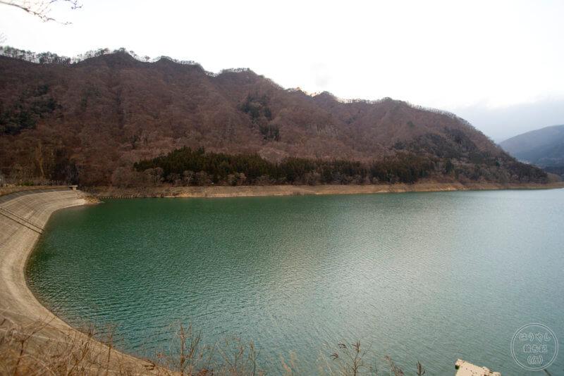 相俣ダム(赤谷湖)の風景