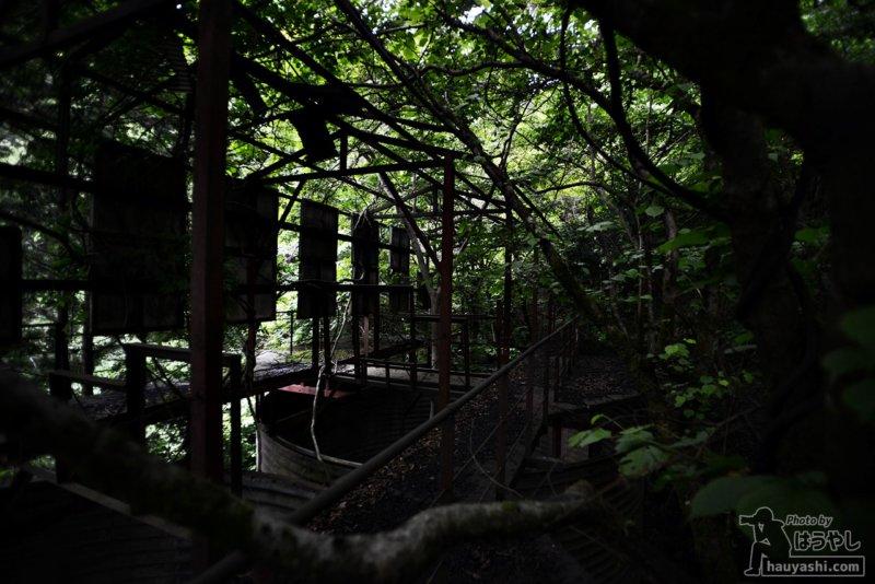 吾野の山奥にある工場のような廃墟