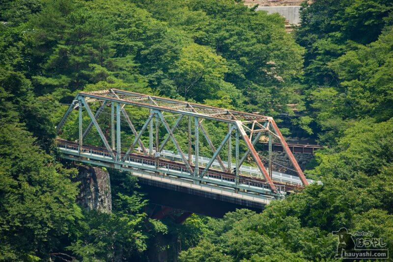 JR吾妻線の廃線区間に残る第二吾妻川橋梁
