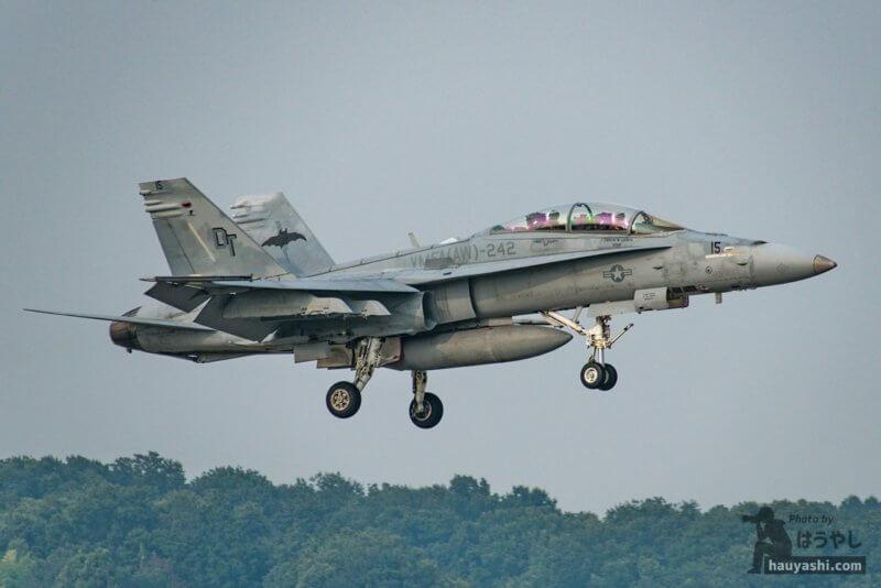 """トラブル発生で戻ってきた VMFA(AW)-242 """"Bats(バッツ)"""" F/A-18D (DT15/165410)"""