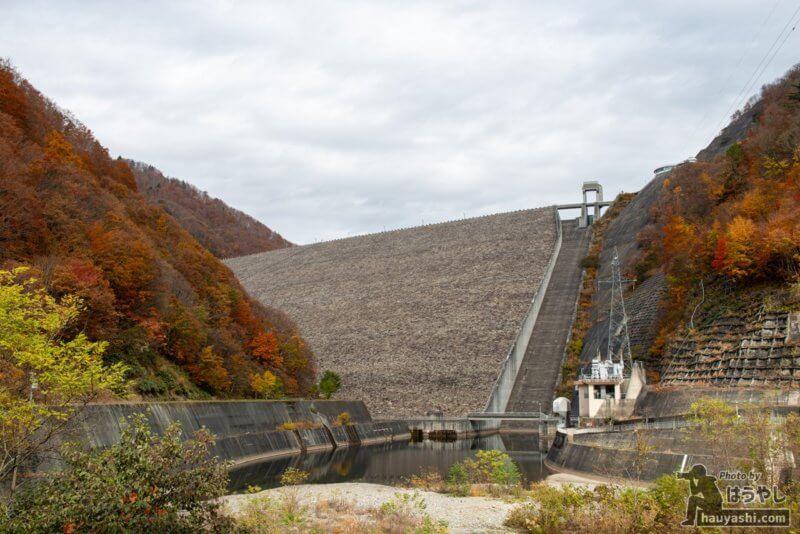 奈良俣ダム 紅葉風景(2020年11月7日)