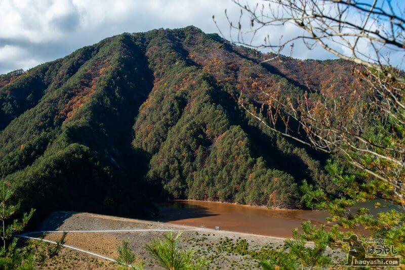 鉱滓ダム「簀子橋堆積場」