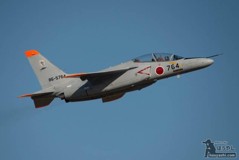 入間基地 R/W17を離陸したT-4(86-5764)